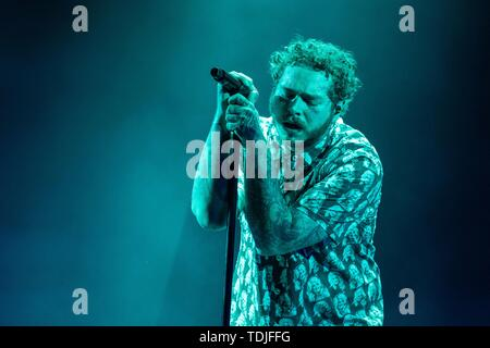 June 15, 2019 - Manchester, Tennessee, U.S - POST MALONE (AUSTIN RICHARD POST) during the Bonnaroo Music + Arts Festival in Manchester, Tennessee (Credit Image: © Daniel DeSlover/ZUMA Wire) - Stock Image
