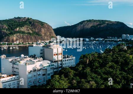 Residential buildings overlooking Botafogo Bay, Rio de Janeiro, Brazil. - Stock Image