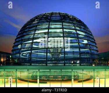 DE - BERLIN: The Reichstag (German Parliament) - Stock Image
