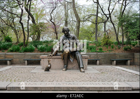 Statue of Hans Christian Andersen and a duck. Central Park, Manhattan, New York - Stock Image