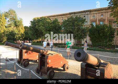 Canons at the Alhambra Palace Spain with tourists - Stock Image