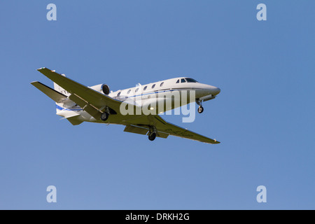 Private Cessna, 560XL to land - Stock Image