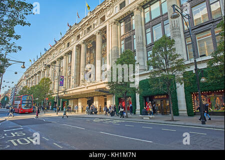 Selfridges department store is an iconic building on London's Oxford Street in the West End. - Stock Image