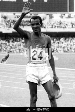 Oct 23, 1968; Mexico City, MEXICO; M. WOLDE, of Ethiopia, acknowledges the cheers from the crowd after he won the marathon during the 1968 Mexico City Summer Olympics. - Stock Image