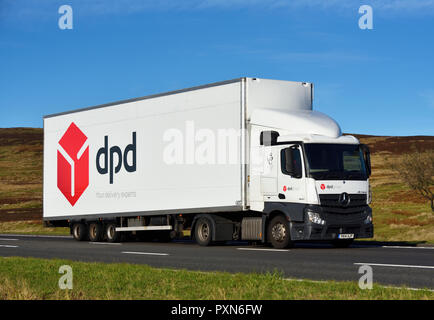 DPD Group, Your delivery experts, HGV. M6 motorway Southbound carriageway, Shap, Cumbria, England, United Kingdom, Europe. - Stock Image