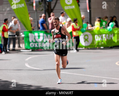Ihor  Olefirenko  competing for the Ukraine, in the 2018 Men's Elite London Marathon. He went on to finish 11th, in a time of 02:15:06 - Stock Image