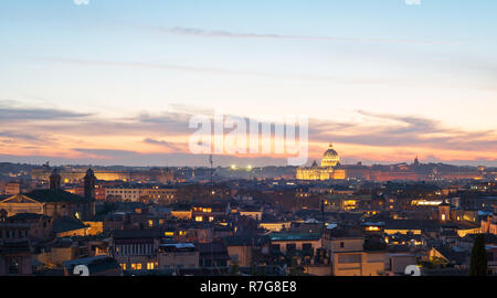 Rome skyline at dusk - Stock Image