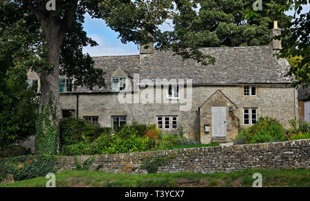 Cottages in Great Rissington, Gloucestershire, England - Stock Image