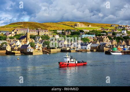 Boat off the seaport of Stromness, Mainland, Orkney Islands, Scotland, Great Britain - Stock Image