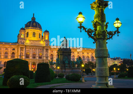 Vienna night, view at night of the Kunsthistorisches Museum in Theresien Platz in the centre of the museum district of Vienna, Austria. - Stock Image