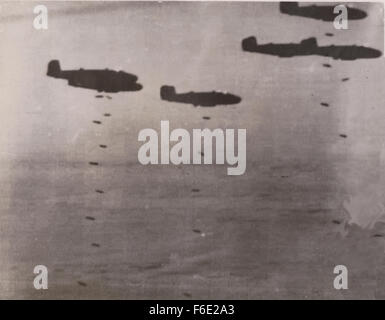 RAF Bomber WW2 North Africa campaign release their bombs - Stock Image