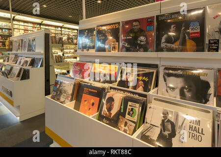Display of vinyl LP's, or long playing records in FNAC store in La Canada shopping centre, Marbella, Costa del Sol, Malaga Province, Spain.  Vinyl rec - Stock Image