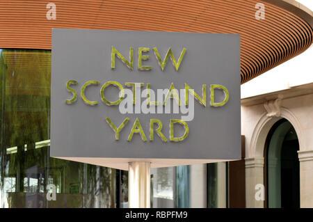 Revolving New Scotland Yard sign - Stock Image