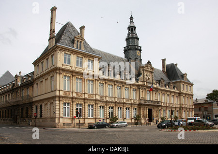 Town Hall, Hotel de Ville, Place de l'Hotel de Ville, Reims, Marne, Champagne-Ardennes, France. - Stock Image