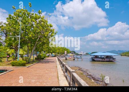 Riverside promenade, Chaofak park, Krabi town, Thailand - Stock Image