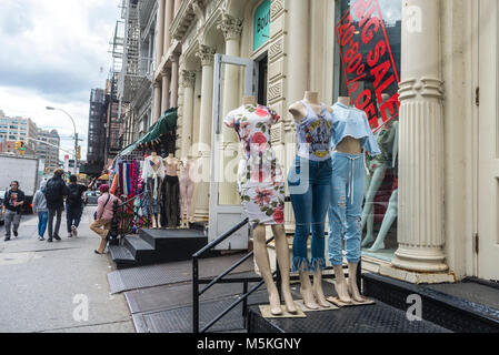 New York, NY, USA - 26 May 2017 - Women's clothing on sale on Canal Street - Stock Image