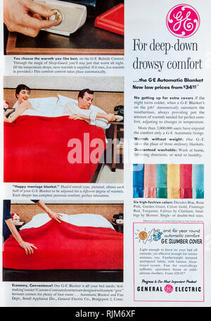 A 1955 magazine advertisement for General Electric electric blankets. - Stock Image