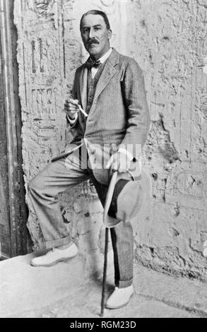 A picture file of the archaeologist Howard Carter who discovered Tutankhamun's Tomb in the Valley of the Kings, Luxor, Egypt. November 1922. Scanned from image material in the archives of Press Portrait Service - (formerly Press Portrait Bureau). - Stock Image