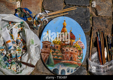 Moscow, Russia. 18th May, 2019  Paints and brushes during the 9th Draw St Basil's Cathedral art festival in Red Square - Stock Image