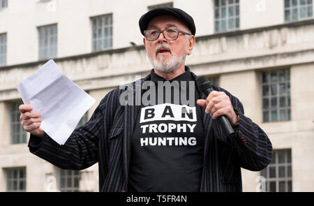 Peter Egan speaking at the London march against trophy hunting and extinction rally at Richmond Terrace, opposite Downing Street, London, UK. - Stock Image