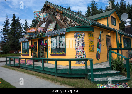 Unusual storefront of the charming Cafe Cups Restaurant, Homer, Alaska, USA - Stock Image