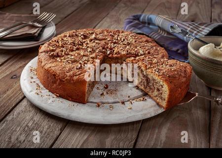 Cinnamon bun cake - Stock Image