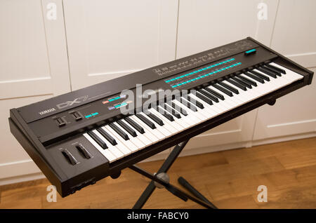 A Yamaha DX7 synthesizer - Stock Image