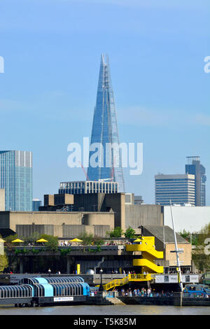 London, England, UK. The Shard (Shard of Glass / Shard London Bridge /and formerly London Bridge Tower) 95 storey tower (Renzo Piano: 2012) in South... - Stock Image