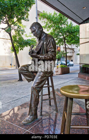 A bronze statue of country music legend Chet Atkins in Nashville, Tennessee, USA - Stock Image