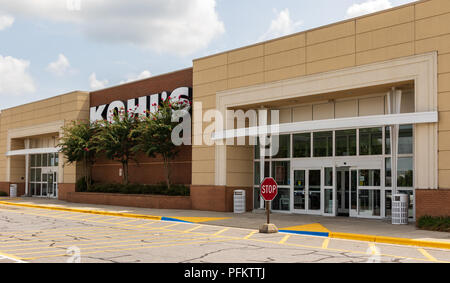 HICKORY, NC, USA-20 AUG 2018: A Kohl's department store, one of over 1100 in the U.S. - Stock Image