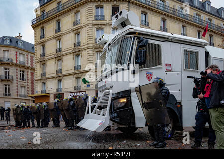 Paris, France. 1st December, 2018.  Police forces during the Yellow Vests protest against Macron politic. Credit: Guillaume Louyot/Alamy Live News - Stock Image