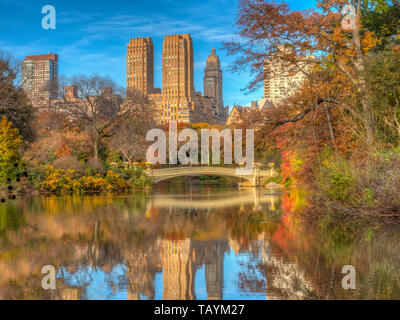 Bow Bridge in New York City, Central Park Manhattan in late autumn - Stock Image