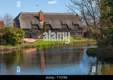 The Granary at Flatford Mill Suffolk England - Stock Image