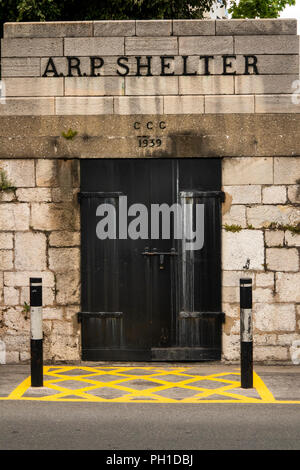 Gibraltar, Line Wall Road, Second World War ARP Air Raid Shelter entrance, dated 1939 in wall of King's Bastion - Stock Image