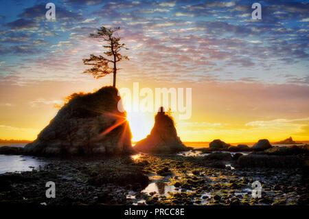 The Three Graces and sunset. Tillamook Bay. Oregon - Stock Image