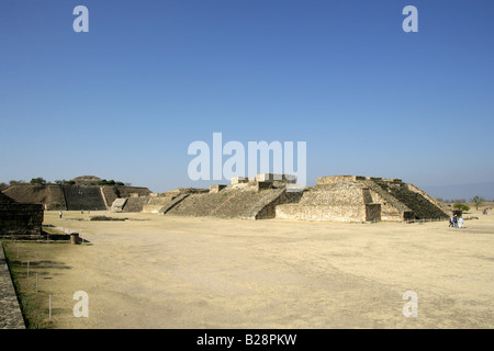 Foreground Buildings G H I and J (Observatory) with the South Platform in the Background. Monte Alban, Oaxaca, Mexico - Stock Image