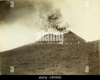 Volcano Mt Vesuvius in Eruption, by Edizione Esposito, 1895 - Stock Image