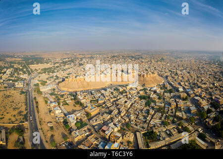 India, Rajasthan, Jaisalmer, Old Town, Aerial view of Old Town and Fortifications - Stock Image