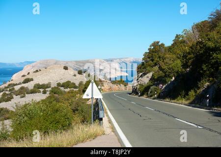 Kroatien, Kvarner Bucht, Küstenstrasse bei Jablanac - Stock Image