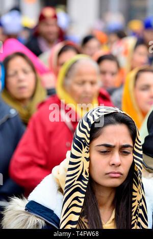 Gravesend, Kent, UK. Vaisakhi (or Baisakhi / Vaishakhi / Vasakhi) annual Sikh festival celebrating the Punjabi New Year. 13th April 2019. Young woman  - Stock Image