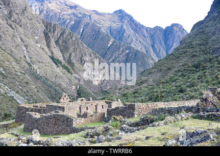 Paukarkancha Inca ruins and campsite on the Inca Trail network, Cusco, Peru - Stock Image