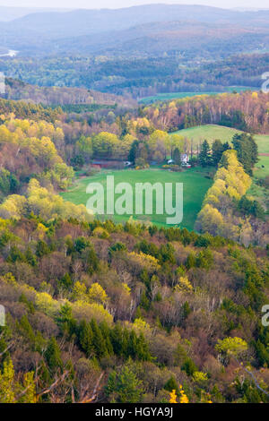 The view south from Black Mountain in Dummerston, Vermont. - Stock Image