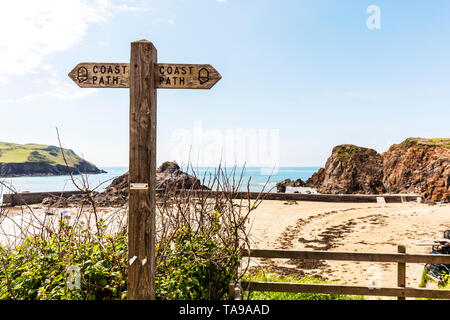 Devon coast path, coast path Devon, Coast path sign, coastal path sign, coast path signs, coastal path, sign, signs, wooden post, coast, Devon, walk, - Stock Image