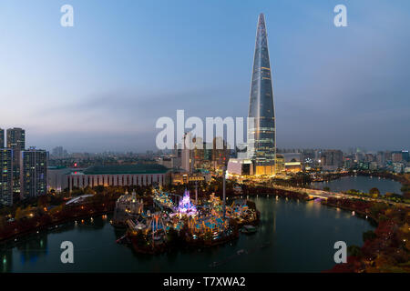 South Korea skyline of Seoul, The best view of South Korea with Lotte world mall at Jamsil in Seoul. - Stock Image