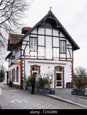 Berlin, Moabit. Paris Moskau -Fine-dining restaurant serving an international menu in a timber-framed house with garden terrace for alfresco meals - Stock Image