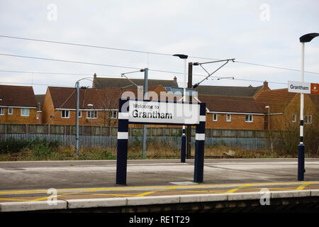 """""""Welcome to Grantham"""" sign on the platform of Grantham railway station, Lincolnshire, England - Stock Image"""