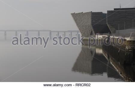V&A Design Museum and train crossing Tay Rail Bridge Dundee Scotland  February 2019 - Stock Image