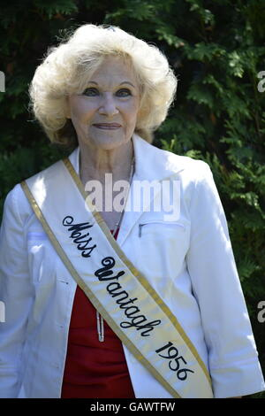 Wantagh, New York, USA. July 4, 2016. LYNN CLAYTON LUONGO, Miss Wantagh 1956, 76 years old, the first ever Miss - Stock Image