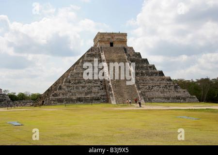 The Castle Pyramid (El Castillo Pyramid) or Temple of Kukulcan, Chichen Itza Archaeological Site, Chichen Itza, - Stock Image