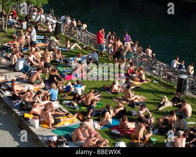 Open air bath Letten at river Limmat people sunbathing Zurich Switzerland - Stock Image